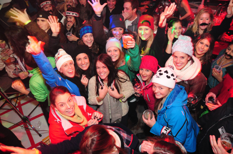 Enjoy Live Music at Val d'Isere's Top Pubs and Bars
