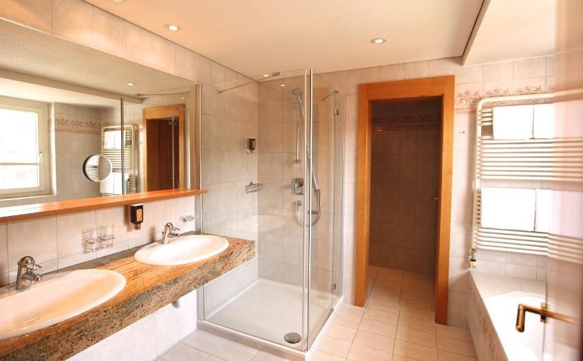 Ski Hotel Of The Year 16/17 Bathroom