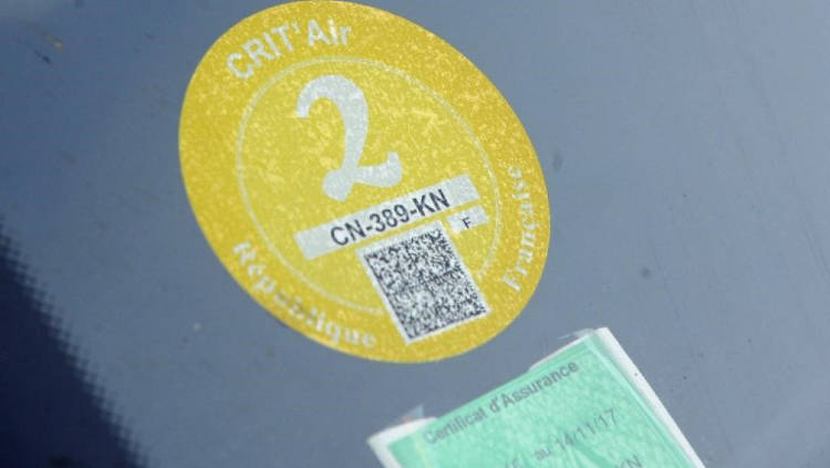 Pollution stickers in France