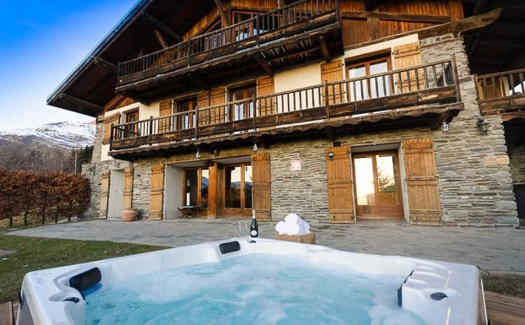Chalet Montperron near La Rosiere even has a hot tub