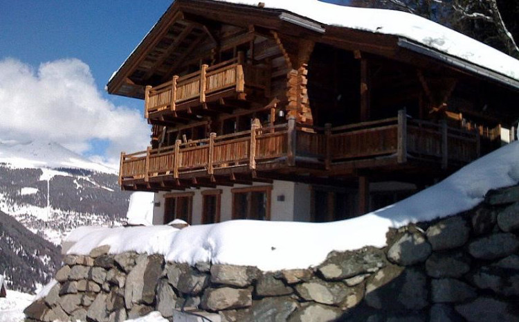 Ski Chalets Sleeping 8 People