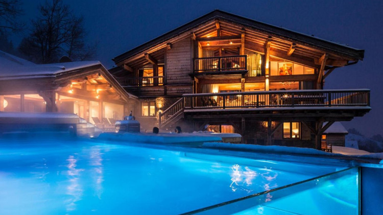Ski Line's Ultimate Guide To Luxury Ski Chalets
