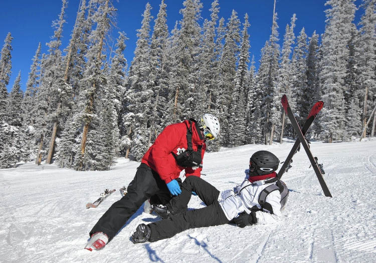 Skiing With A Knee Brace