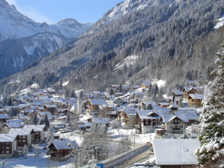 The ultimate guide to skiing in Portes du Soleil - Champery