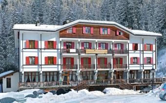 Ski Holiday Gressoney Chalet Hotel Valverde