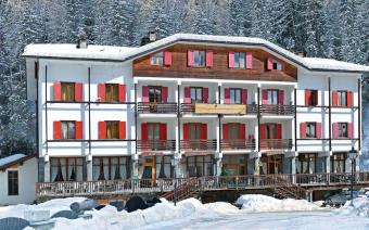 Ski Holiday Gressoney Chalet Hotel Valverde (Childcare)