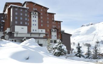 Club Med Les Deux-Alpes, External