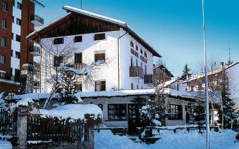 Ski Holiday Sauze d'Oulx Hotel Derby