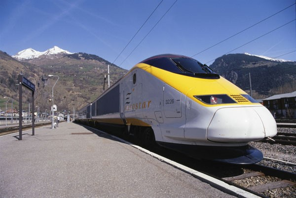 http://allthingsalpine.com/wp-content/uploads/2013/08/Eurostar.jpg