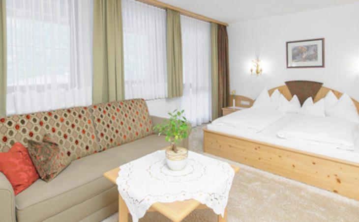 Hotel Olympia - 3