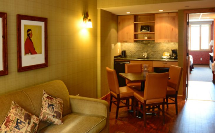 The Fox Hotel & Suites - 11