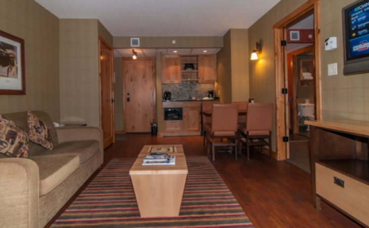 The Fox Hotel & Suites - 12