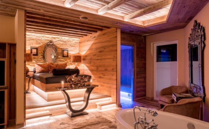 Astoria Resort - 11