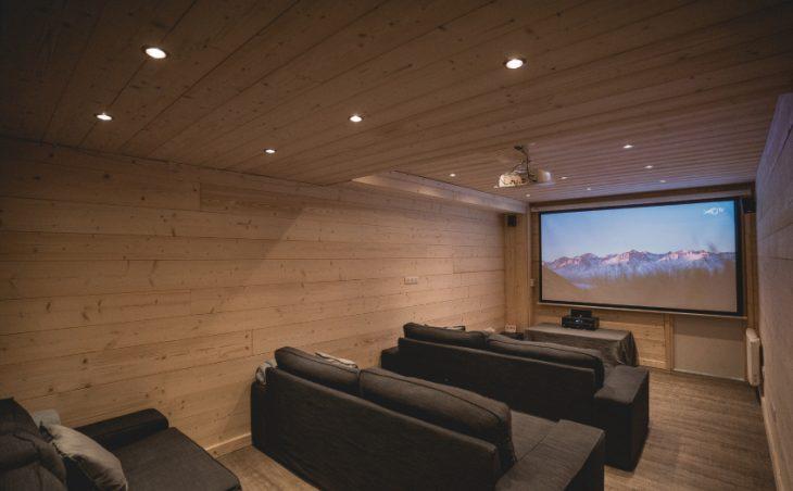 Mountain Lodge - 3