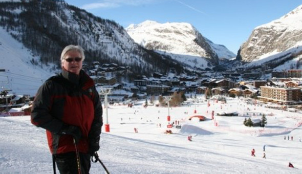 Chris Gill, editor of where to ski and Snowboard on the Nursery slopes in Val d'Isere
