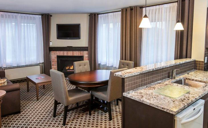 Holiday Inn Express & Suites Tremblant - 2