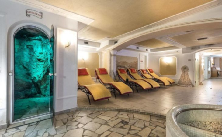 Sporthotel Romantic Plaza - 11