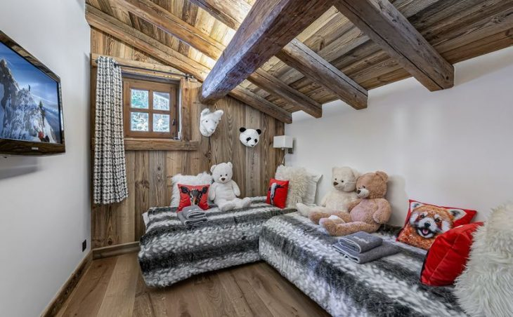 Chalet Crystal White - 22