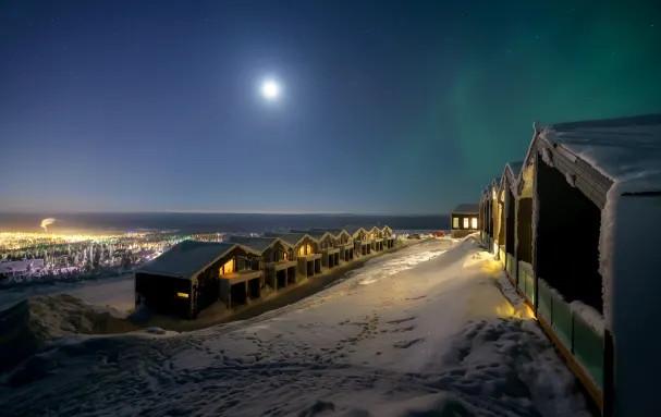 Santa's Star Arctic Hotel - 2