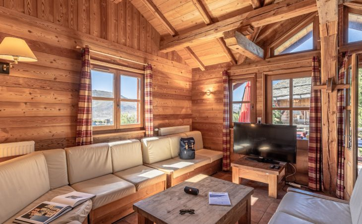 Chalet Edelweiss (Contactless Chalet Catering) - 10