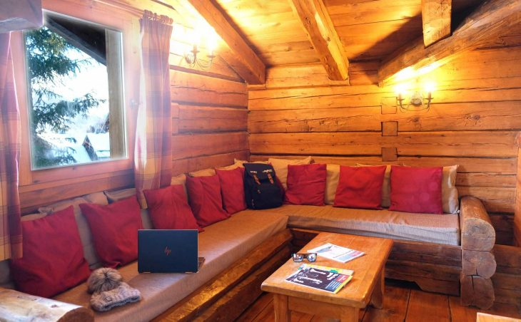 Chalet Elliot East (Contactless Chalet Catering) - 7