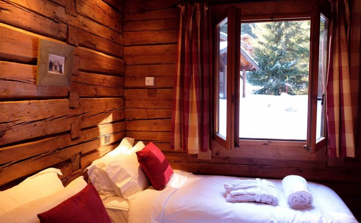 Chalet Elliot East (Contactless Chalet Catering) - 11