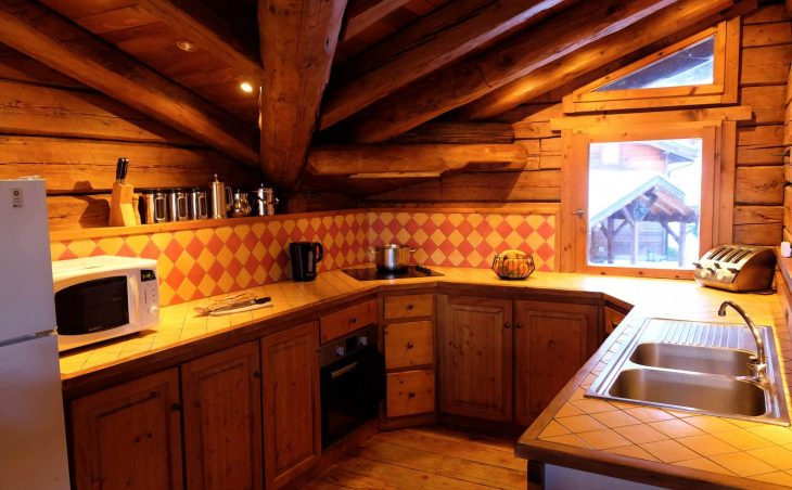 Chalet Elliot East (Contactless Chalet Catering) - 12