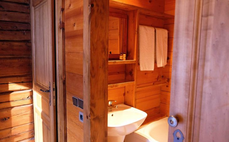 Chalet Elliot East (Contactless Chalet Catering) - 4