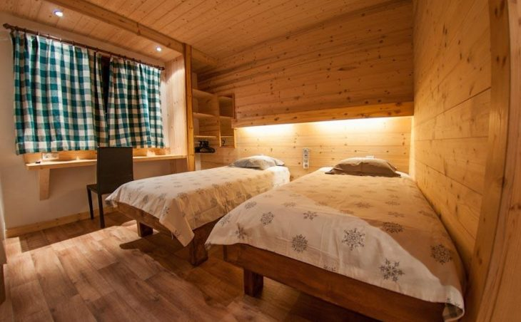 Chalet Les Arolles (Contactless Chalet Catering) - 3