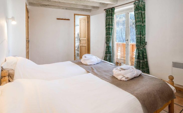 Chalet Lou Traves (Contactless Chalet Catering) - 3