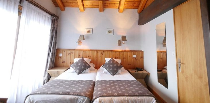 Hotel Les 5 Freres - 4
