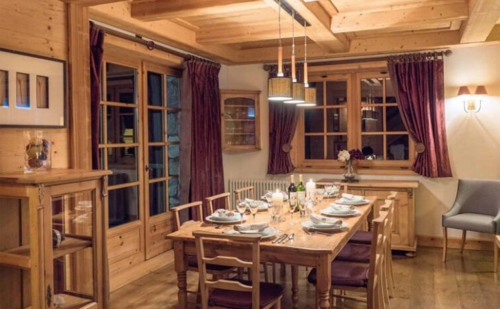 Chalet Davos (Contactless Chalet Catering) - 1