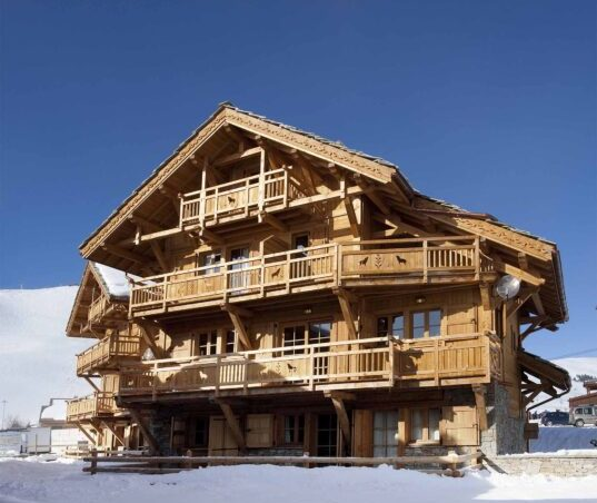 Chalet Le Chateau (Contactless Chalet Catering) - 1
