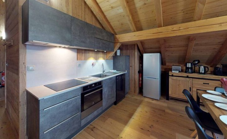 Chalet Nightingale (Contactless Chalet Catering) - 8