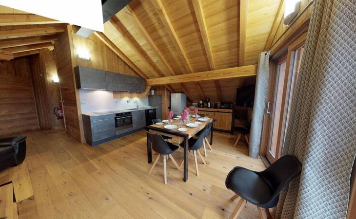 Chalet Nightingale (Contactless Chalet Catering) - 3