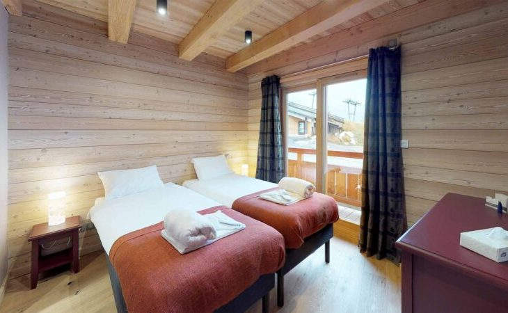 Chalet Woodpecker (Contactless Chalet Catering) - 4