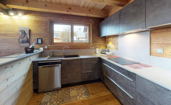 Chalet Woodpecker (Contactless Chalet Catering) - 1