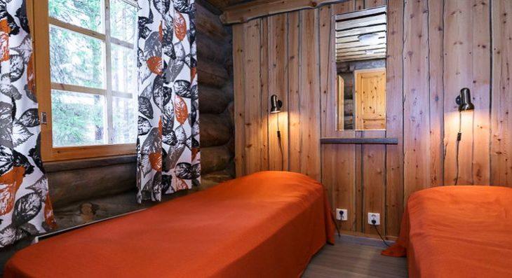 Large Levi Log Cabins - 4