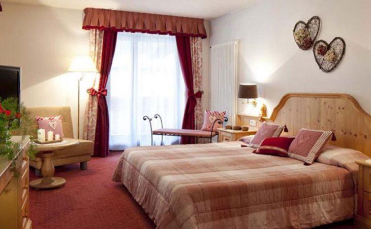 Hotel Table in Corvara , Italy image 3