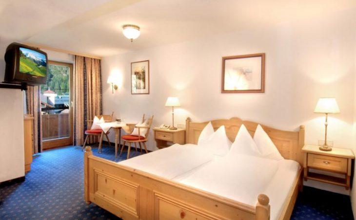 Kramerwirt Alpenhotel in Mayrhofen , Austria image 3