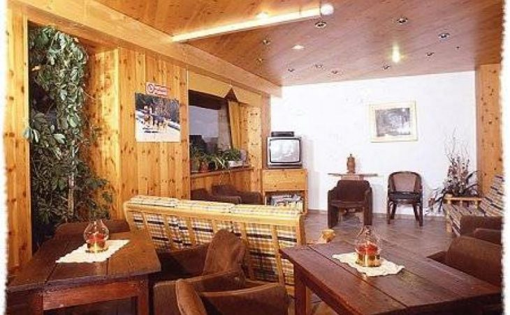 Hotel Les Coupoles in Champoluc , Italy image 4