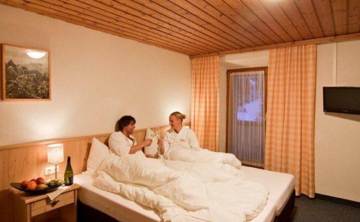 Gasthof Hochsteg in Mayrhofen , Austria image 3