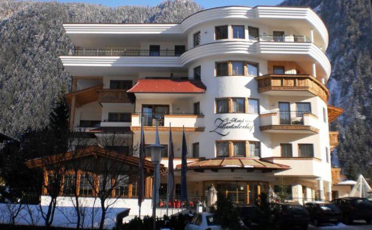 Ski Hotel Zillertalerhof in Mayrhofen , Austria image 2