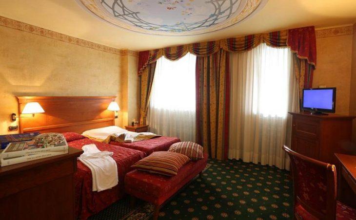 Ski Hotel Cristallo in Sestriere , Italy image 8