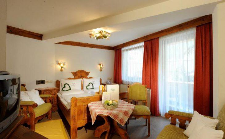 Ski Hotel Zillertalerhof in Mayrhofen , Austria image 3