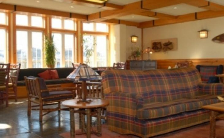 Lodge de la Montagne in Tremblant , Canada image 4