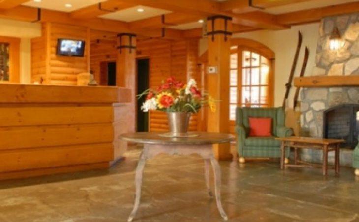 Lodge de la Montagne in Tremblant , Canada image 3