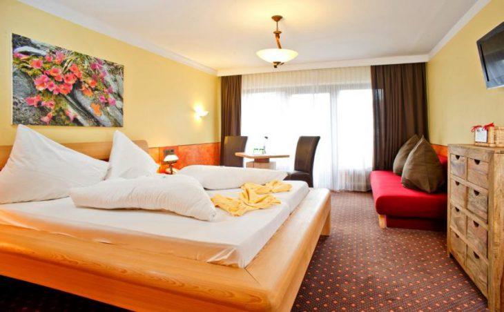 Aktiv Hotel Hochfilzer, Ellmau, Double Bedroom