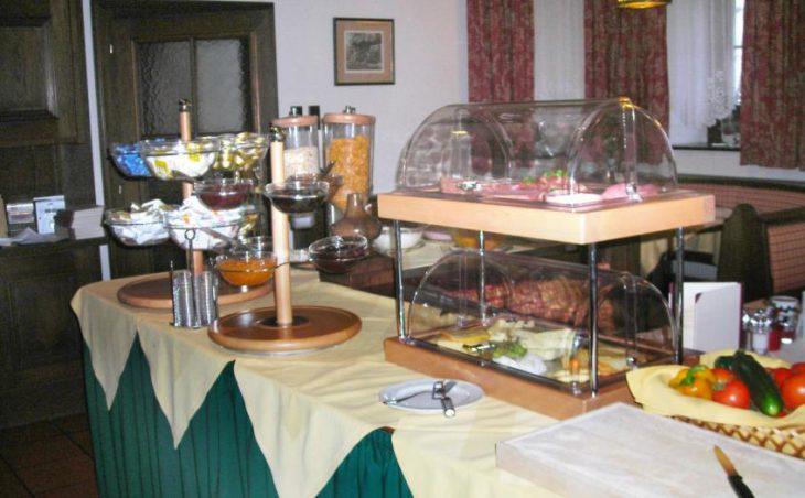 Hotel Tauernhaus Wisenegg in Obertauern , Austria image 5