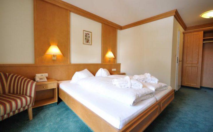 Aktivhotel Crystal, St Johann, Double Bedroom